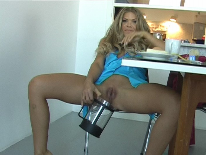 peeing-ladies.com - movie update - Alysha - Make my Breakfast Slave