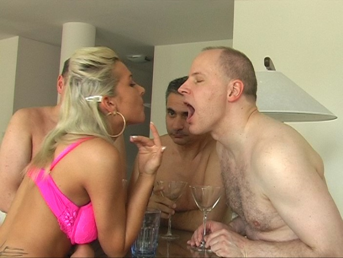 peeing-ladies.com - movie update - Lady Kate - Piss Coktail for 3 Slaves