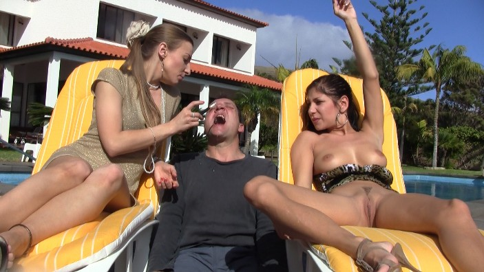 peeing-ladies.com - movie update - Madeira Peeing 1 - Princess Nikki and Girlfriends