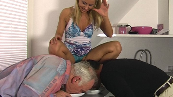peeing-ladies.com - movie update - Princess Nikki - My Champagner for You 2