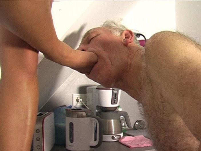 peeing-ladies.com - movie update - My Champagner for You