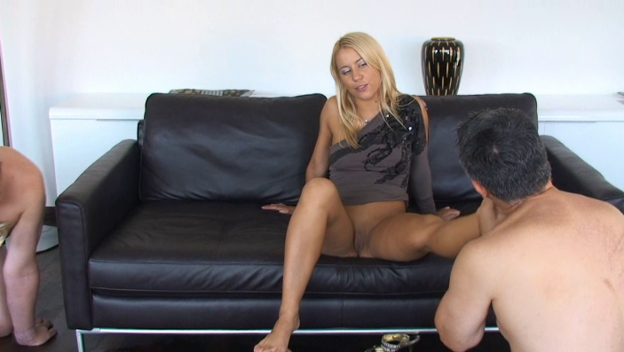 peeing-ladies.com - movie update - Princess Nikki Special Treatment for her Slaves