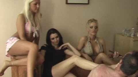 peeing-ladies.com - movie update - Spit and Pee 3
